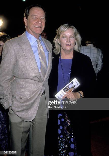 Actor Richard Crenna and wife Penni Sweeney attend the 'In Country' Beverly Hills Premiere on September 14 1989 at the Academy Theatre in Beverly...