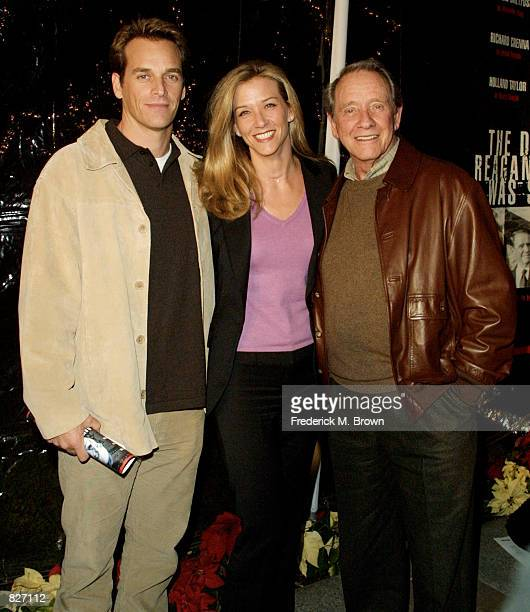 Actor Richard Crenna poses for photographers with his son Rich and his daughter Maria at the premiere of the film The Day Reagan Was Shot December 4...