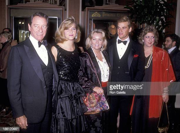 Actor Richard Crenna wife Penni Sweeney daughter Maria Crenna son Richard Anthony Crenna and daughter Seana Crenna attend the 42nd Annual Golden...