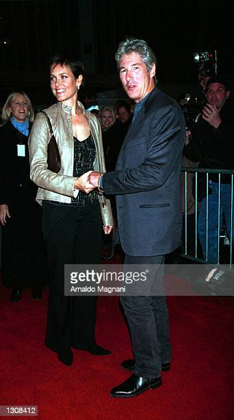 Actor Richard Gere and Carey Lowell attend the New York premiere of Artisan Entertainment''s film 'Dr T The Women' October 10 2000 at the Ziegfeld...
