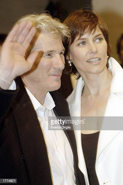 """Actor Richard Gere and his wife actress Carey Lowell attend a promotional viewing of the new film """"Chicago"""" at the Cinema Moderno Warner Village..."""