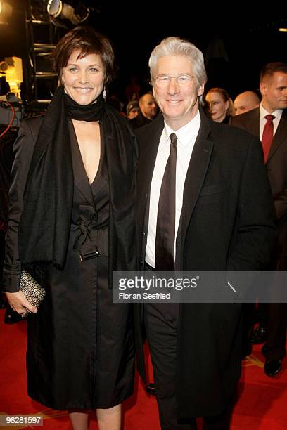 Actor Richard Gere and partner Carey Lowell attend the Goldene Kamera 2010 Award at the Axel Springer Verlag on January 30 2010 in Berlin Germany