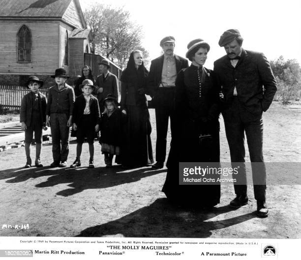 Actor Richard Harris actress Samantha Eggar actor Sean Connery and actress Bethel Leslie on set of the Paramount Pictures movie The Molly Maguires in...