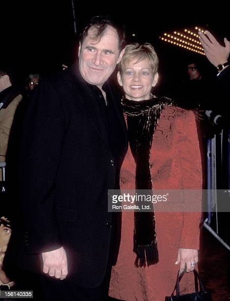 Actor Richard Kind and wife Dana Stanley attend 'The Green Mile' New York City Premiere on December 8 1999 at Ziegfeld Theater in New York City