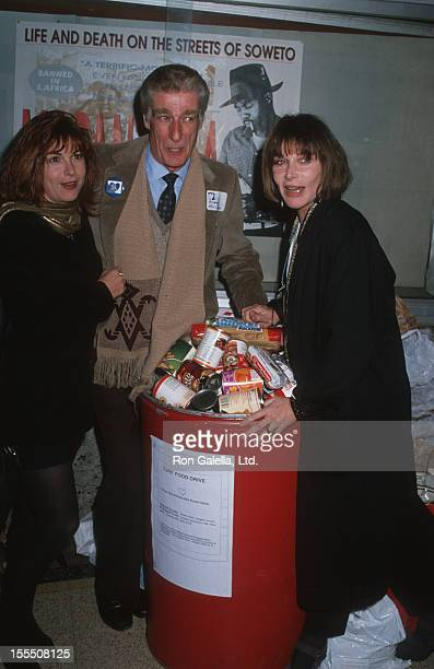 Actor Richard Mulligan and actresses Dinah Manoff and Lee Grant attend the opening of No Place Like Home on November 27, 1989 at the Beverly Hills...