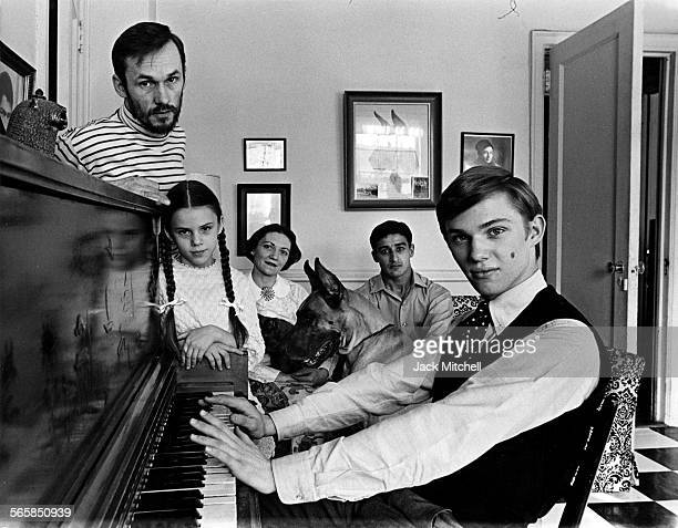 Actor Richard Thomas and family photographed in 1968 Photo by Jack Mitchell/Getty Images