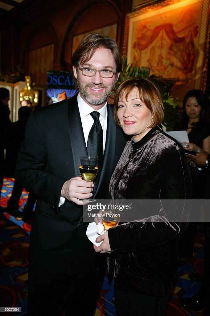 Actor Richard Thomas and wife Georgiana attend the New York Oscar Night Party at Le Cirque 2000 February 29, 2004 in New York City.