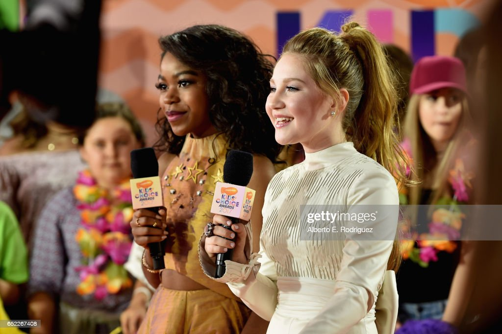 Nickelodeon's 2017 Kids' Choice Awards - Red Carpet : News Photo