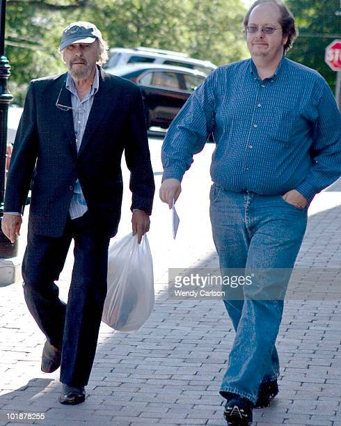 Actor Rip Torn enters Litchfield Superior Court with his son Tony for a hearing in connection with charges of criminal trespass carrying a gun...