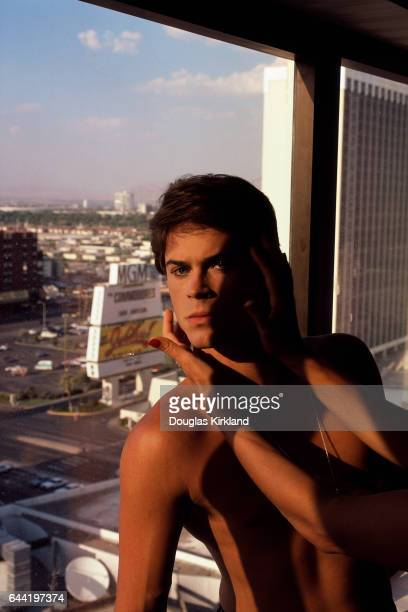 Actor Rob Lowe with Hands