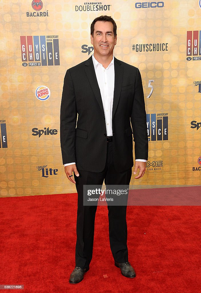 Actor Rob Riggle attends Spike TV's Guys Choice 2016 at Sony Pictures Studios on June 4, 2016 in Culver City, California.