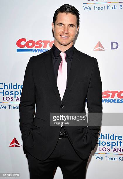 Actor Robbie Amell attends the Children's Hospital Los Angeles' Gala Noche De Ninos at LA Live on October 11 2014 in Los Angeles California