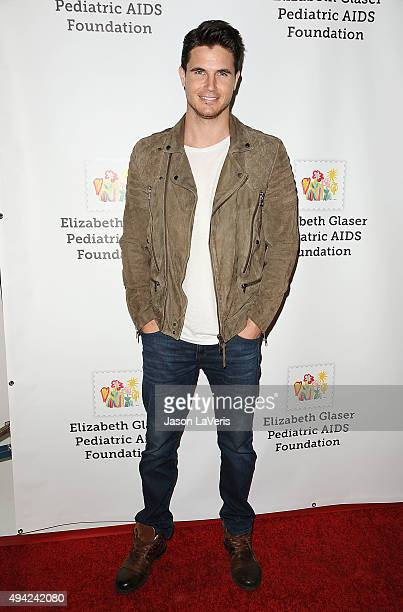 Actor Robbie Amell attends the Elizabeth Glaser Pediatric AIDS Foundation's 26th A Time For Heroes family festival at Smashbox Studios on October 25...