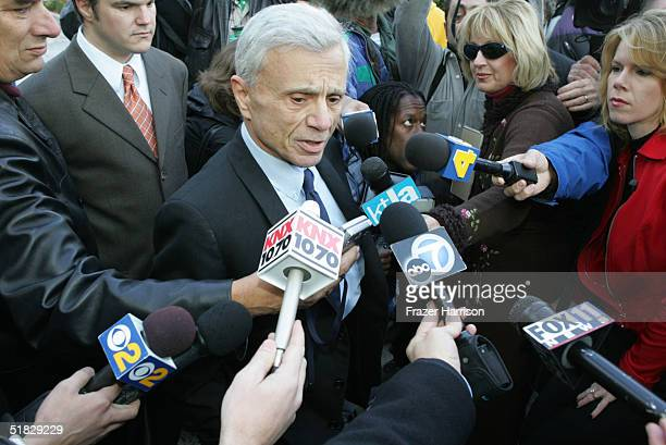 Actor Robert Blake arrives at Los Angeles Superior Court for a pretrial hearing in his murder case December 6 2004 in Van Nuys California Blake has...
