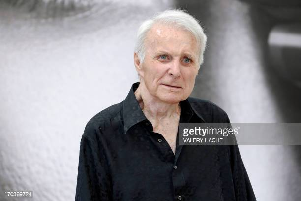 US actor Robert Conrad poses on June 12 2013 during a photocall for the TV show The wild wild west at the 53rd MonteCarlo Television Festival in...