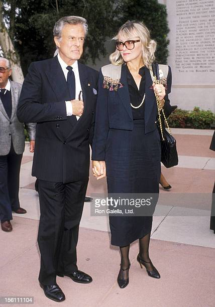 Actor Robert Culp and Candace Faulkner attend the 'Funeral Service of Sammy Davis Jr.' on May 18, 1990 at Forest Lawn Memorial Park in Los Angeles,...