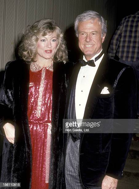 Actor Robert Culp and Candace Faulkner attend the 'Simon Weisenthal Dinner' on November 10, 1985 at Century Plaza Hotel in Los Angeles, California.