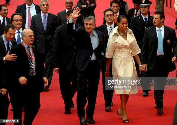 Actor Robert De Niro and his wife Grace Hightower at Rome's first film festival The same day De Niro received the 'Steps and Stars' prize awarded to...