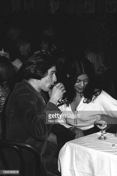 Actor Robert De Niro and wife Diahnne Abbott attend 39th Annual New York Critic's Choice Awards on January 27, 1974 at Sardi's Restaurant in New York...