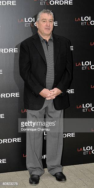Actor Robert De Niro poses during a photocall for the Jon Avnet's film 'Righteous Kill' on September 15 2008 in Paris France