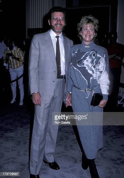 Actor Robert Foxworth and actress Elizabeth Montgomery attend Amnesty International's 25th Anniversary Celebration on September 15 1986 at the...