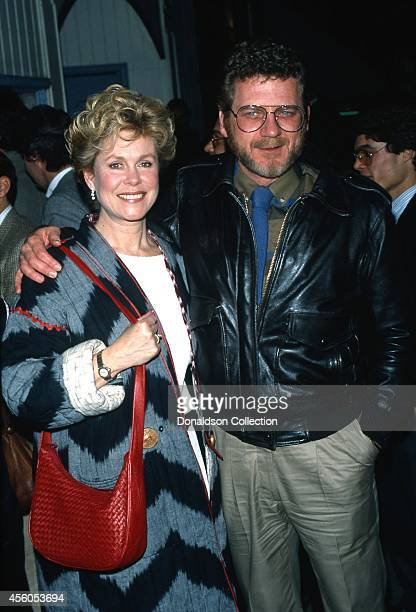 Actor Robert Foxworth and his wife 'Bewitched' actress Elizabeth Montgomery attend an event in circa 1988 in Los Angeles California