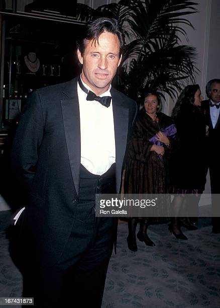 Actor Robert Hays attends the Sixth Annual American Cinema Awards on January 6 1989 at the Beverly Hilton Hotel in Beverly Hills California