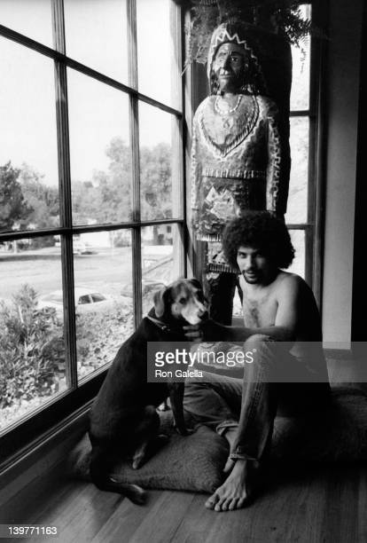 Actor Robert Hegyes attends an exclusive photo session on April 11 1977 at his home in Beverly Hills California