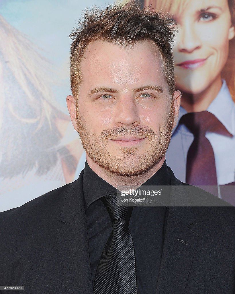 Actor Robert Kazinsky arrives at the Los Angeles Premiere 'Hot Pursuit' at TCL Chinese Theatre IMAX on April 30, 2015 in Hollywood, California.