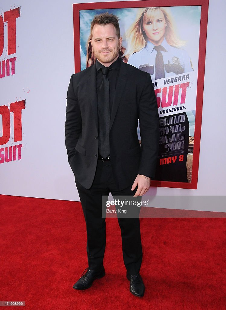 Actor Robert Kazinsky attends the premiere of 'Hot Pursuit' at TCL Chinese Theatre on April 30, 2015 in Hollywood, California.