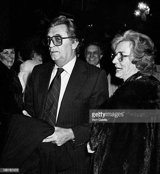 Actor Robert Mitchum and wife Dorothy Mitchum attend the premiere of 'That Championship Season' on December 8 1982 at Loew's Cinema I Theater in New...