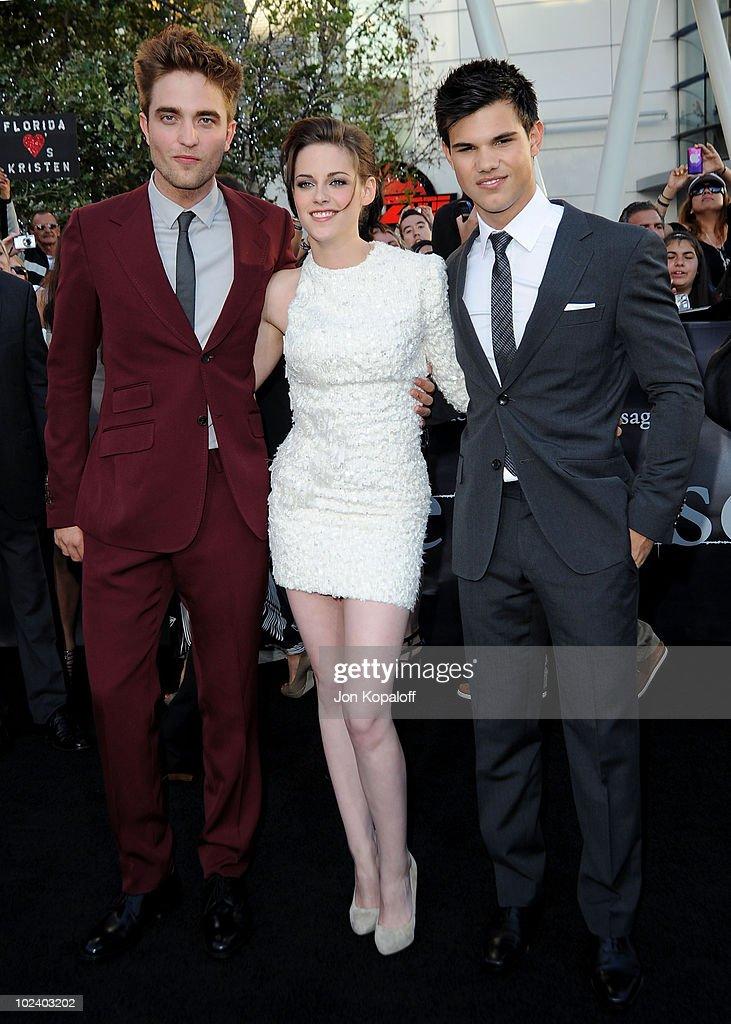 """""""The Twilight Saga: Eclipse"""" Los Angeles Premiere - Arrivals : Fotografía de noticias"""