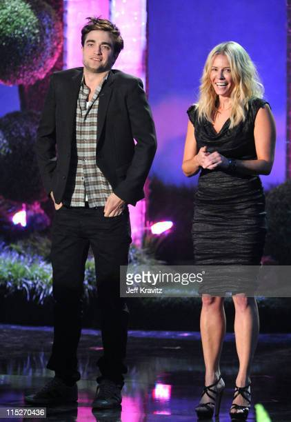 Actor Robert Pattinson and TV personality Chelsea Handler speak onstage during the 2011 MTV Movie Awards at Universal Studios' Gibson Amphitheatre on...