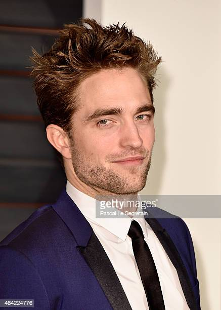 Actor Robert Pattinson attends the 2015 Vanity Fair Oscar Party hosted by Graydon Carter at Wallis Annenberg Center for the Performing Arts on...