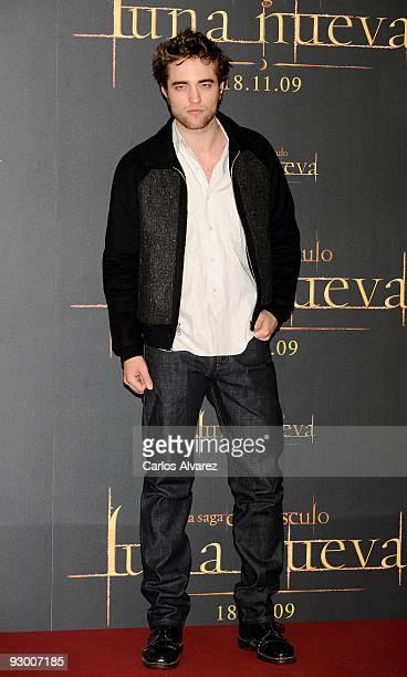 "Actor Robert Pattinson attends ""The Twilight Saga: New Moon"" photocall at Villa Magna Hotel on November 12, 2009 in Madrid, Spain."
