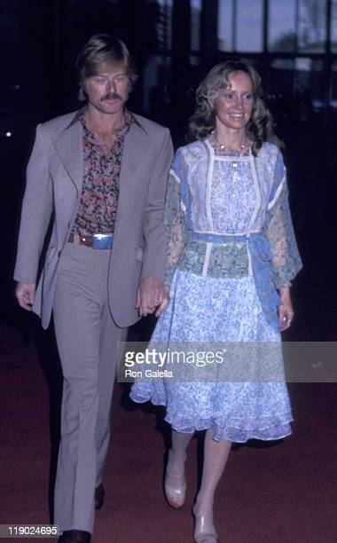 Actor Robert Redford and Lola Redford attend the screening of All The President's Men on April 4 1976 at the Kennedy Center in New York City