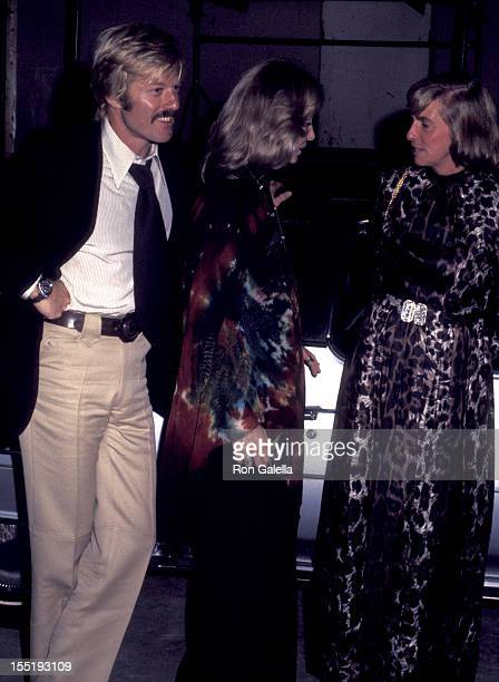 Actor Robert Redford Lola Redford and Mary Lindsay attend Frank Sinatra Concert on October 13 1974 at Madison Square Garden in New York City
