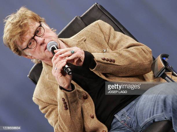 Actor Robert Redford speaks at the Mobile world congress in Barcelona on February 13, 2008. AFP PHOTO/JOSEP LAGO