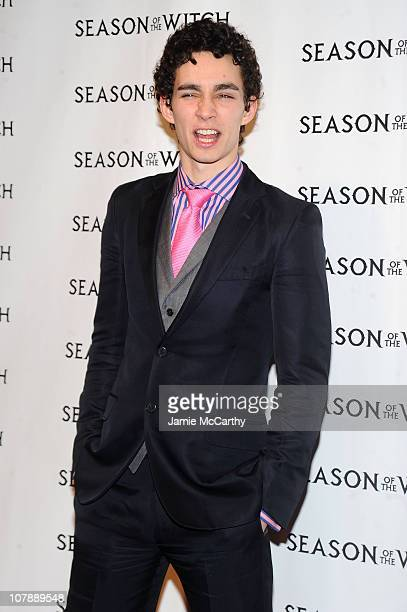 """Actor Robert Sheehan attends the """"Season of the Witch"""" premiere at AMC Loews Lincoln Square 13 theater on January 4, 2011 in New York City."""