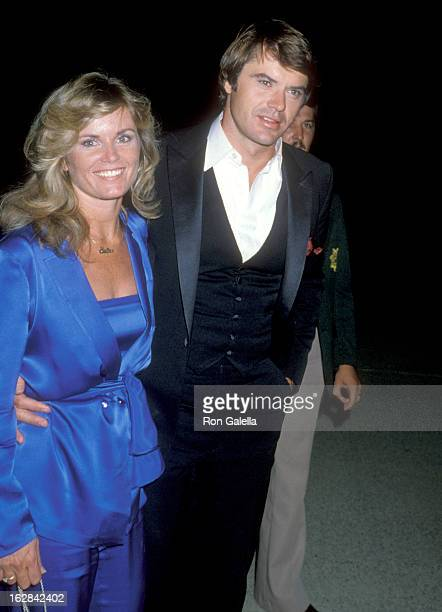 Actor Robert Urich and wife Heather Menzies attend the 31st Annual Primetime Emmy Awards on September 9 1979 at Pasadena Civic Auditorium in Pasadena...