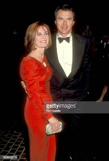 Actor Robert Urich and wife Heather Menzies attend the 48th Annual Golden Globe Awards on January 19 1991 at Beverly Hilton Hotel in Beverly Hills...