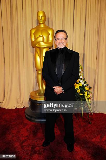 Actor Robin Williams arrives backstage at the 82nd Annual Academy Awards held at Kodak Theatre on March 7, 2010 in Hollywood, California.