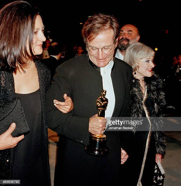 Actor Robin Williams is photographed with wife Marsha and mom Laurie for Vanity Fair Magazine attending the Vanity Fair Academy Awards party on March...