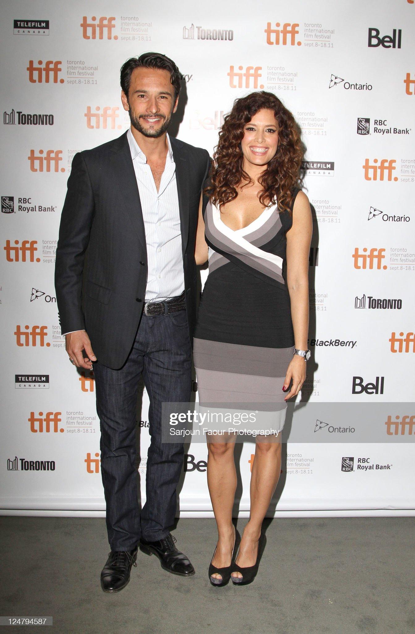 ¿Cuánto mide Rodrigo Santoro? - Altura - Real height Actor-rodrigo-santoro-and-actress-angie-cepeda-attend-heleno-premiere-picture-id124794587?s=2048x2048