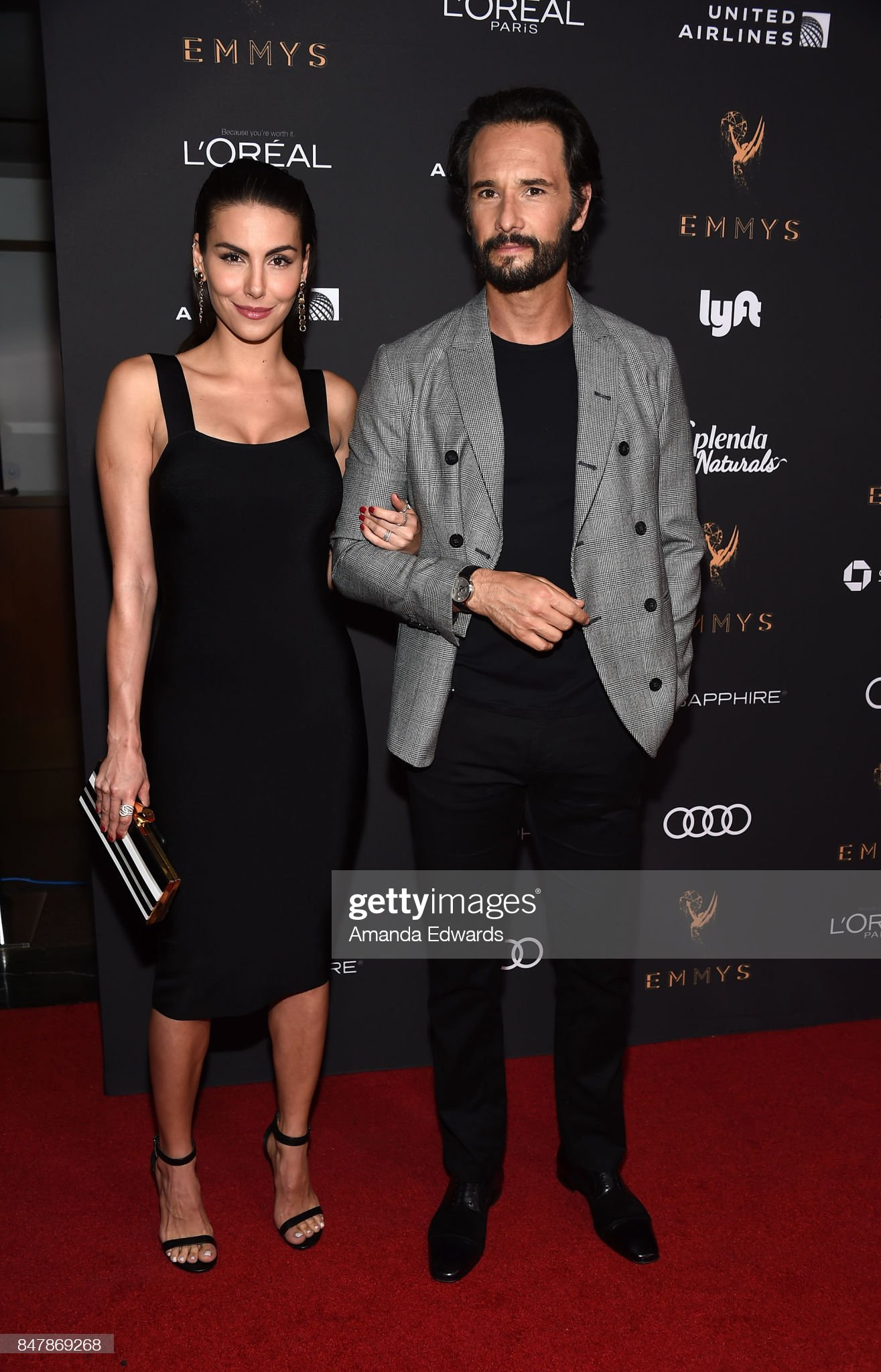 ¿Cuánto mide Rodrigo Santoro? - Altura - Real height Actor-rodrigo-santoro-and-actress-mel-fronckowiak-arrive-at-the-picture-id847869268?s=2048x2048