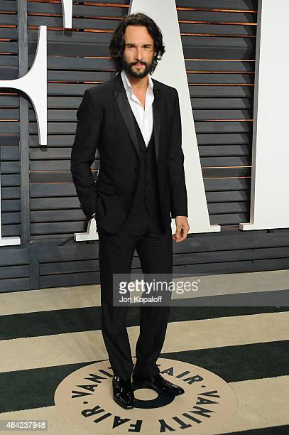 Actor Rodrigo Santoro attends the 2015 Vanity Fair Oscar Party hosted by Graydon Carter at Wallis Annenberg Center for the Performing Arts on...