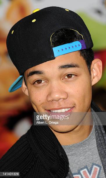 Actor Roshon Fegan arrives for 'The Muppet' Los Angeles Premiere held at the El Capitan Theatre on November 12 2011 in Hollywood California