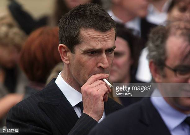 Actor Rupert Everett attends the funeral service for fashion stylist Isabella Blow at Gloucester Cathedral on May 15 2007 in Gloucester England The...