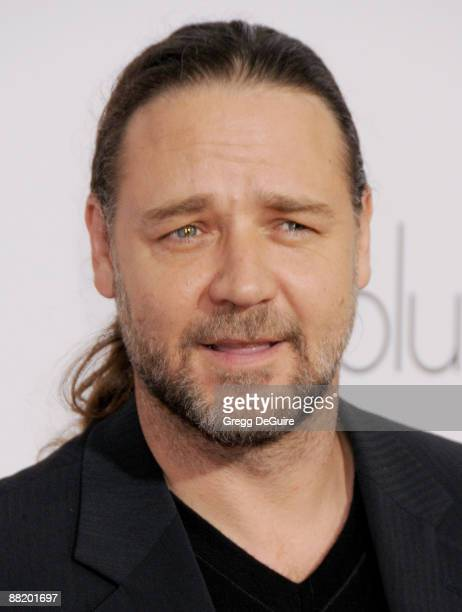 Actor Russell Crowe arrives at the Los Angeles Premiere of 'Revolutionary Road' at the Mann Village Theater on December 15 2008 in Westwood California