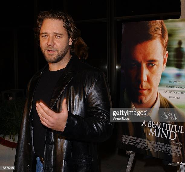 Actor Russell Crowe attends the premiere of the film A Beautiful Mind December 13 2001 in Beverly Hills CA
